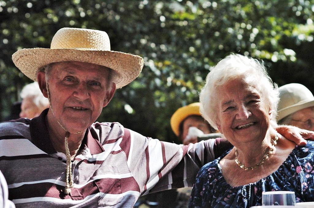 Bewohner beim Besuch des Sommerfestes der Diesterweg Stiftung